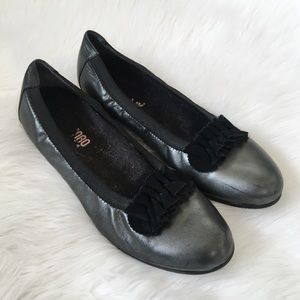 Munro Silver Ballet Flats Comfort Shoes